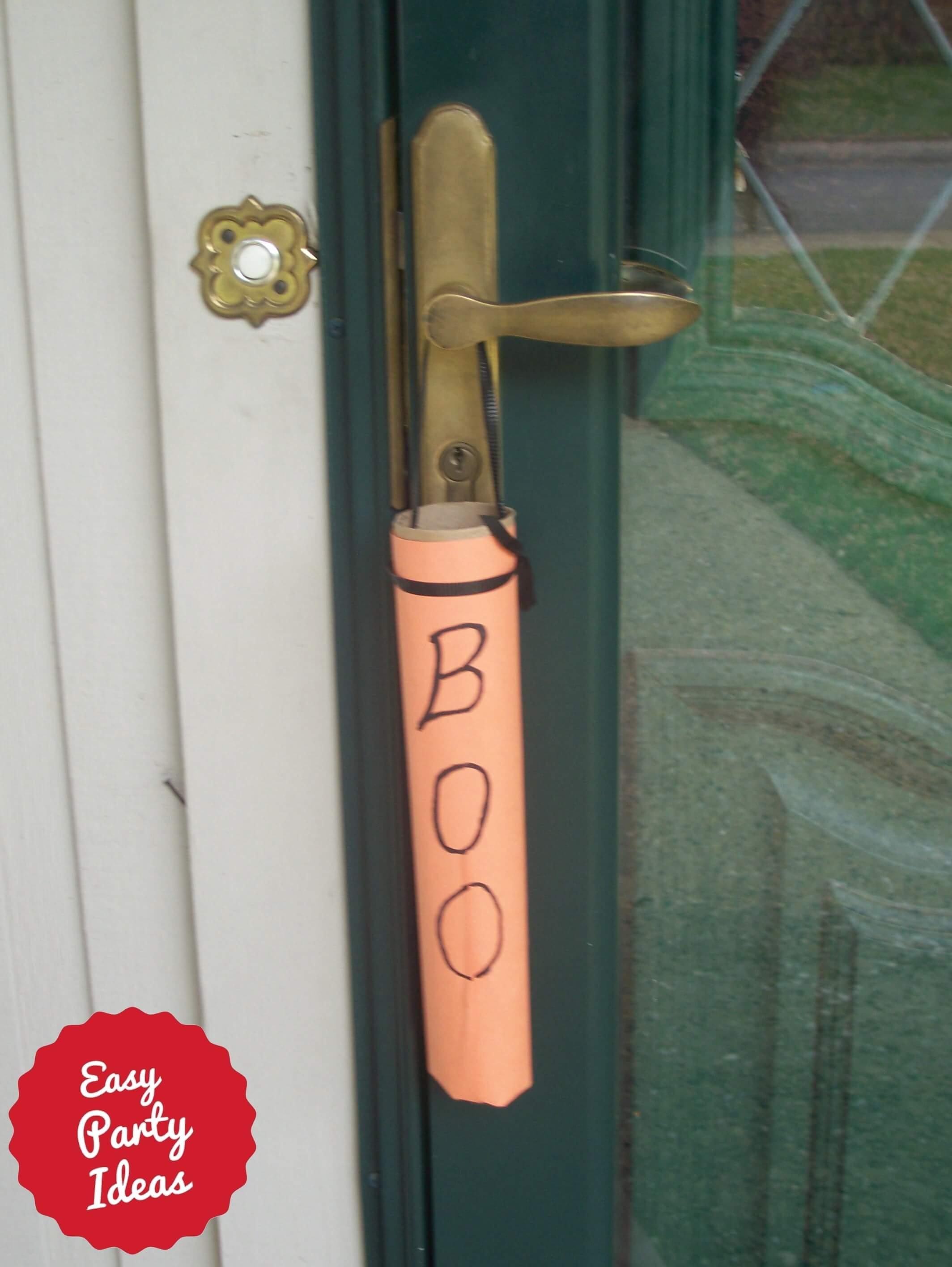 Boo Invitation on Door