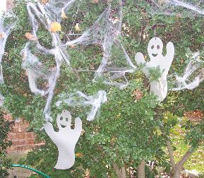 Halloween Ghost Outdoor Decorations in Trees