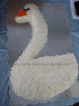 swan party cake